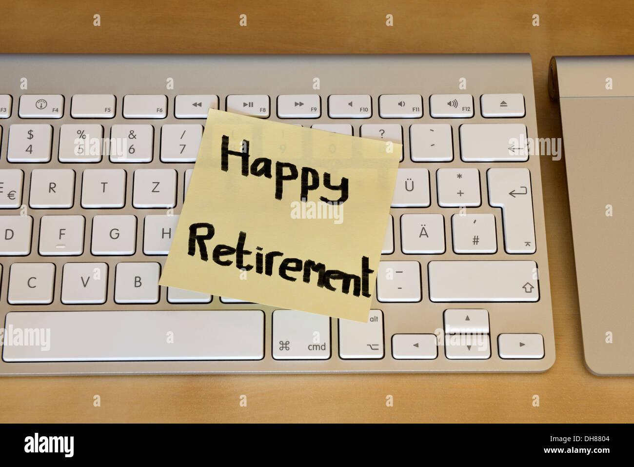 Post it note 'Happy retirement' - Stock Image