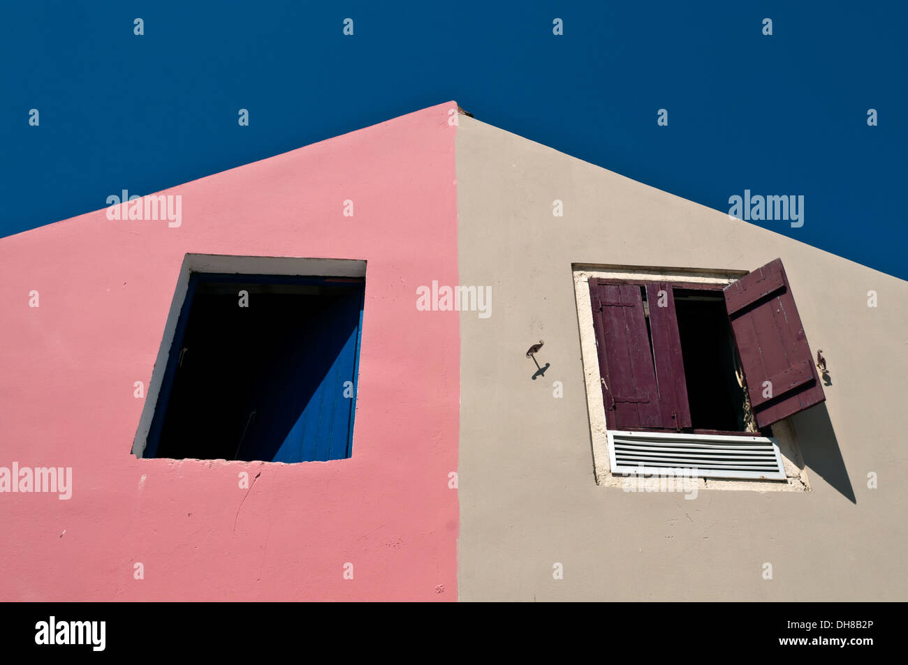 Contarsting house colors in the greek fishing village of Fiscardo ...