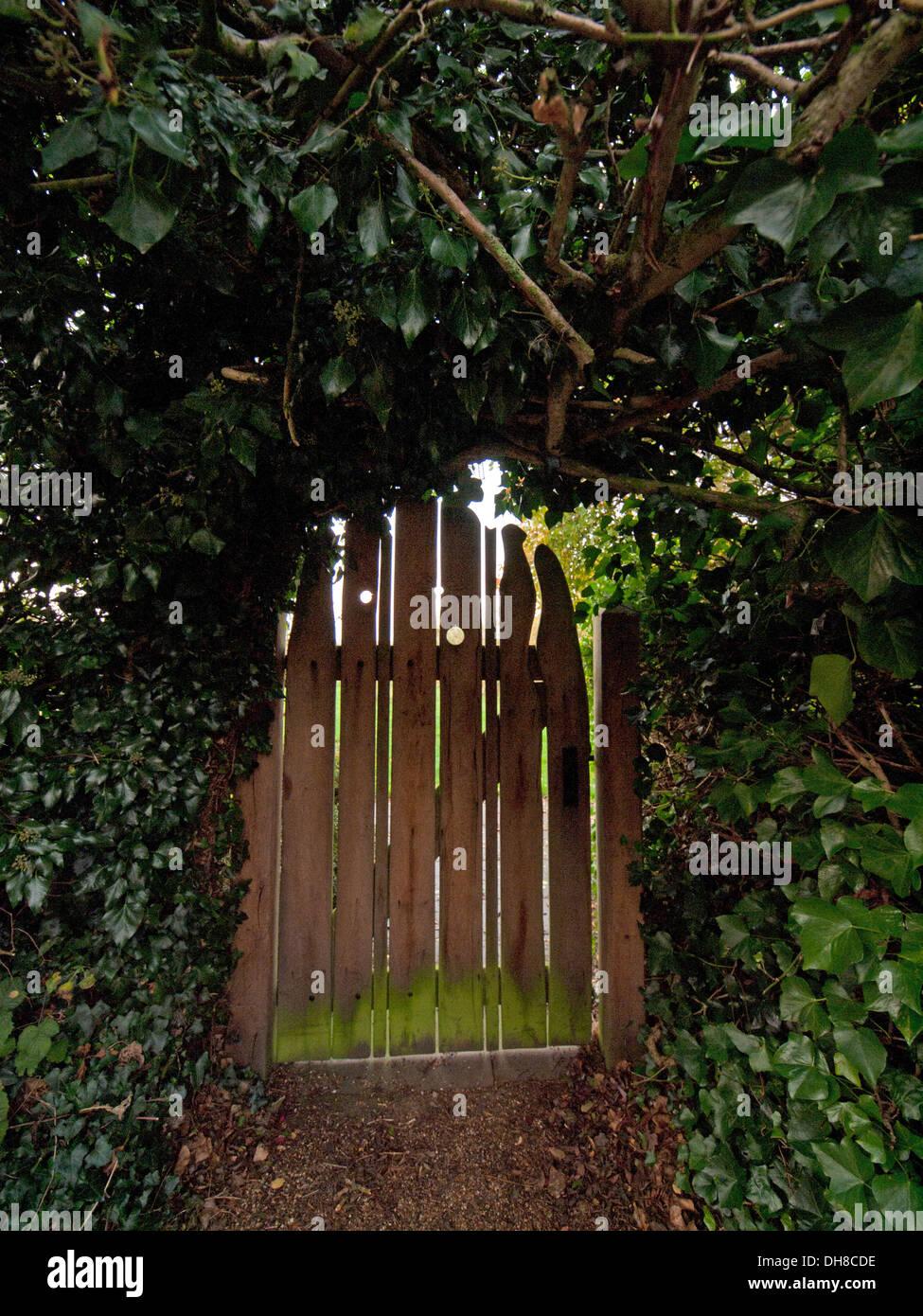 Wooden Garden Gate Stock Photos & Wooden Garden Gate Stock Images ...