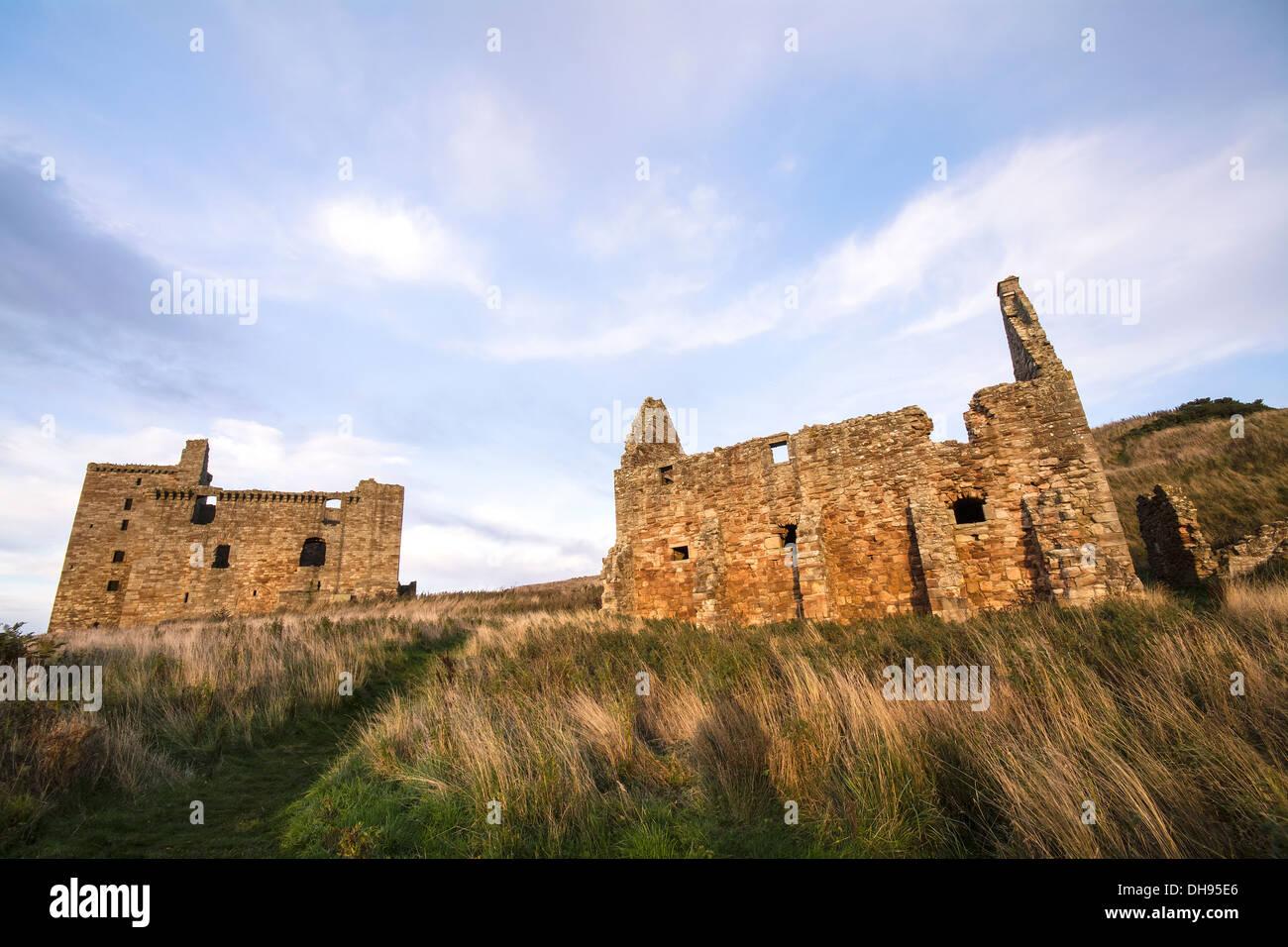 Crichton Castle & Horse Stables - Stock Image