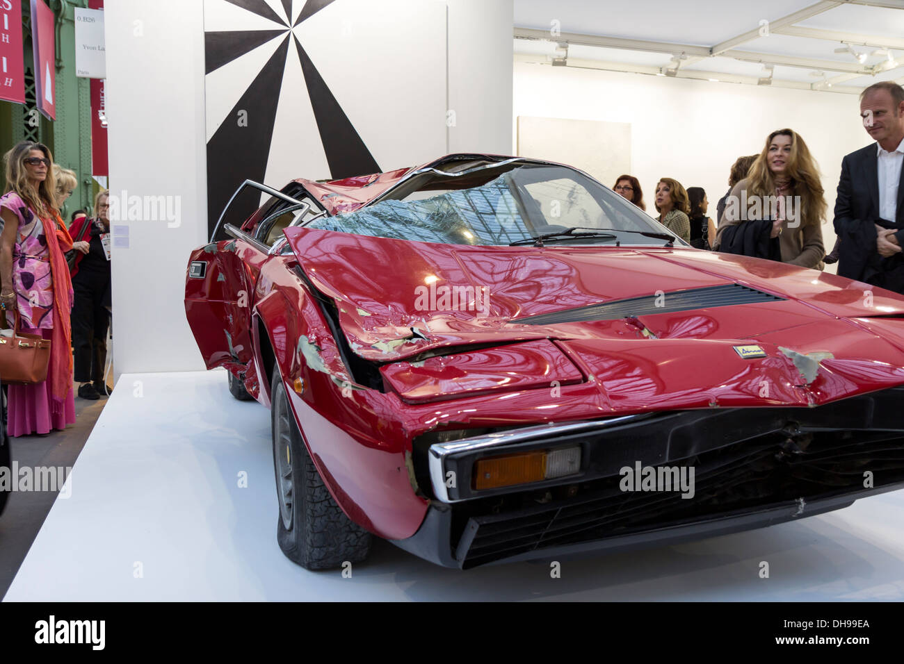 Wrecked Ferrari Dino by Bertrand Lavier sold for 250.000$ at the opening of the Fiac 2013 (contemporary art fair) in Paris - Stock Image