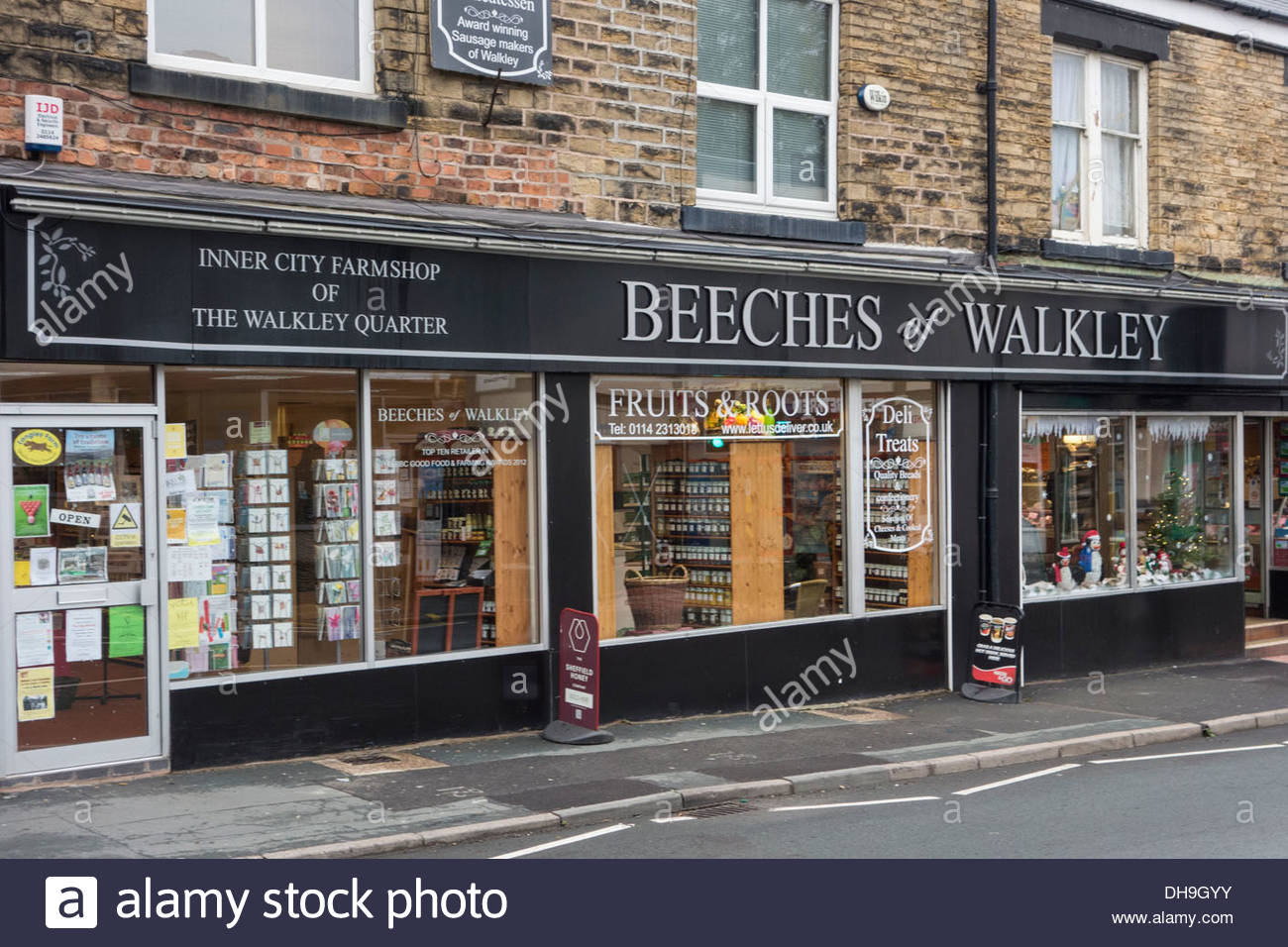 Beeches of Walkley, Sheffield, advertising as an inner city farmshop - Stock Image