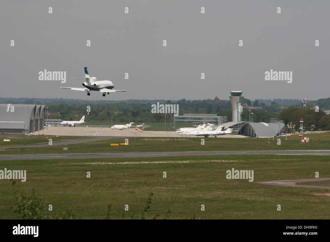 FARNBOROUGH AIRPORT AIRFIELD HAMPSHIRE ENGLAND - Stock Image