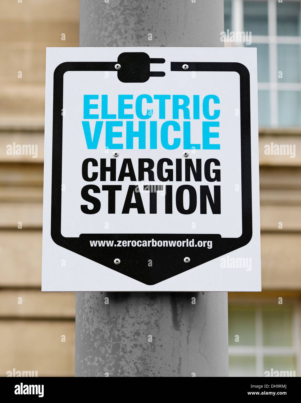 Sign for an Electric Vehicle Charging Station, Westminster, London, UK. - Stock Image