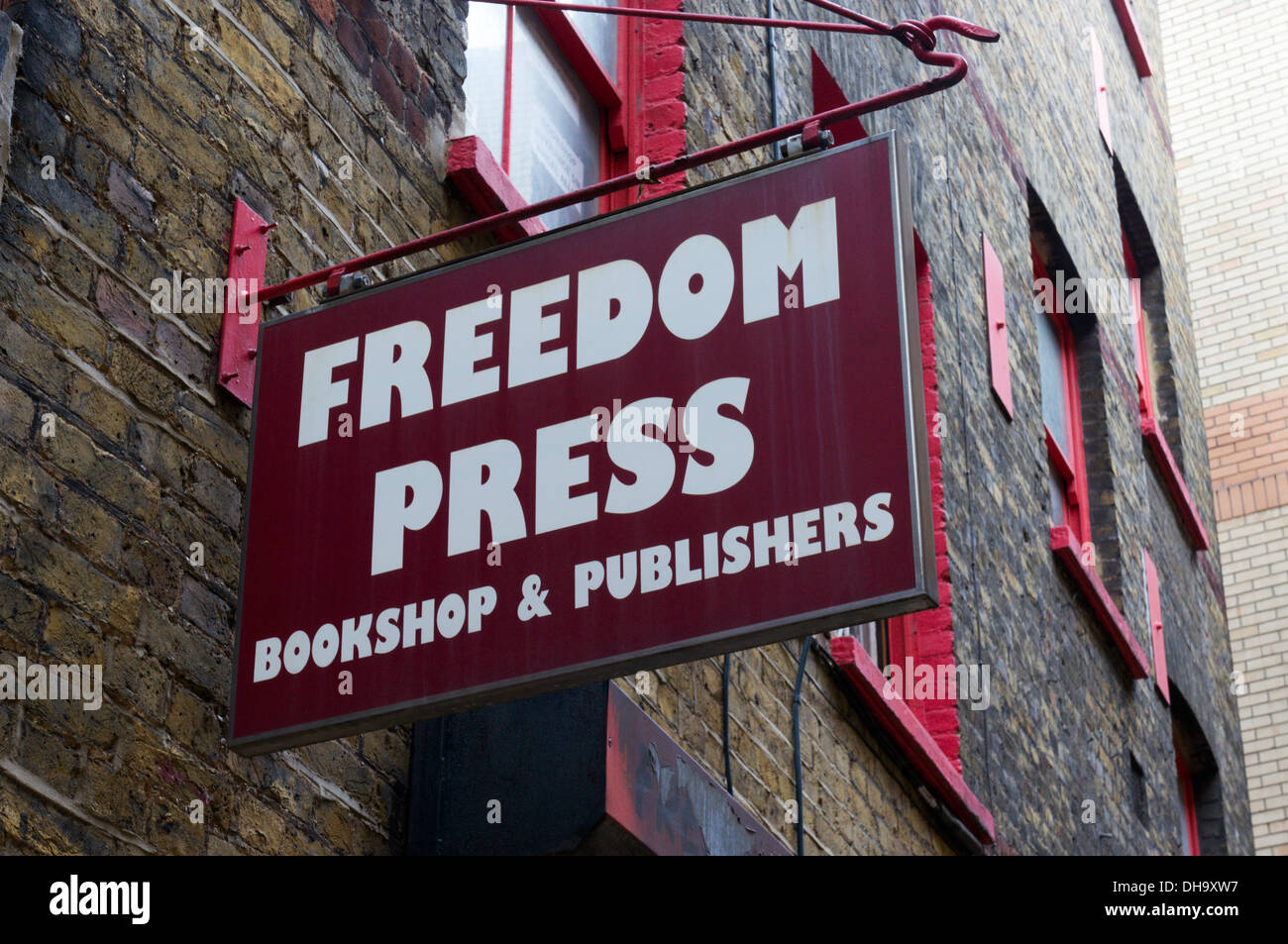 The Freedom Press anarchist publishers and bookshop in Whitechapel, East London. - Stock Image
