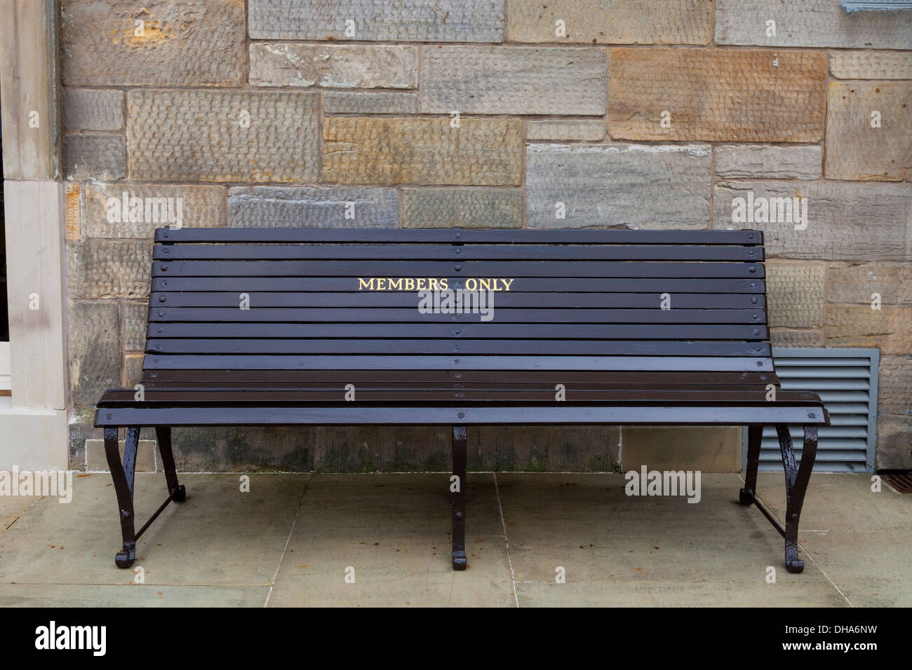A Members Only bench at the Royal And Ancient Clubhouse, St Andrews, Scotland. - Stock Image