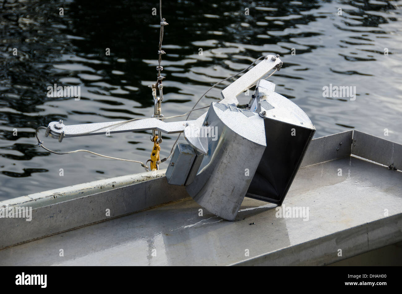 Mini van Veen grab on a research vessel - Stock Image