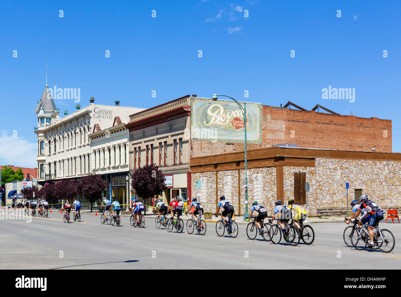 The 2013 Baker City Cycling Classic cycle race in front of the Geiser Grand Hotl, Main Street, Baker, Oregon, USA - Stock Image