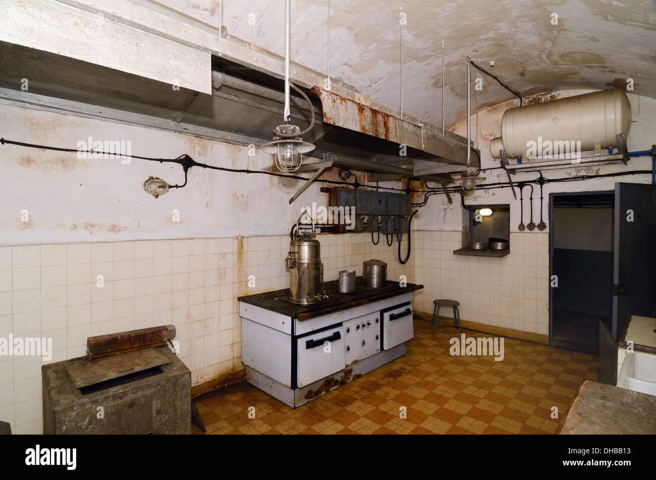 Old Military Kitchen and Vintage Cooker Fort Saint Gobain Modane Maurienne Savoie France - Stock Image