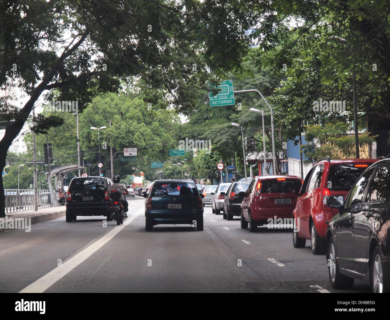 Rush hour traffic near the center of Sao Paulo - Stock Image