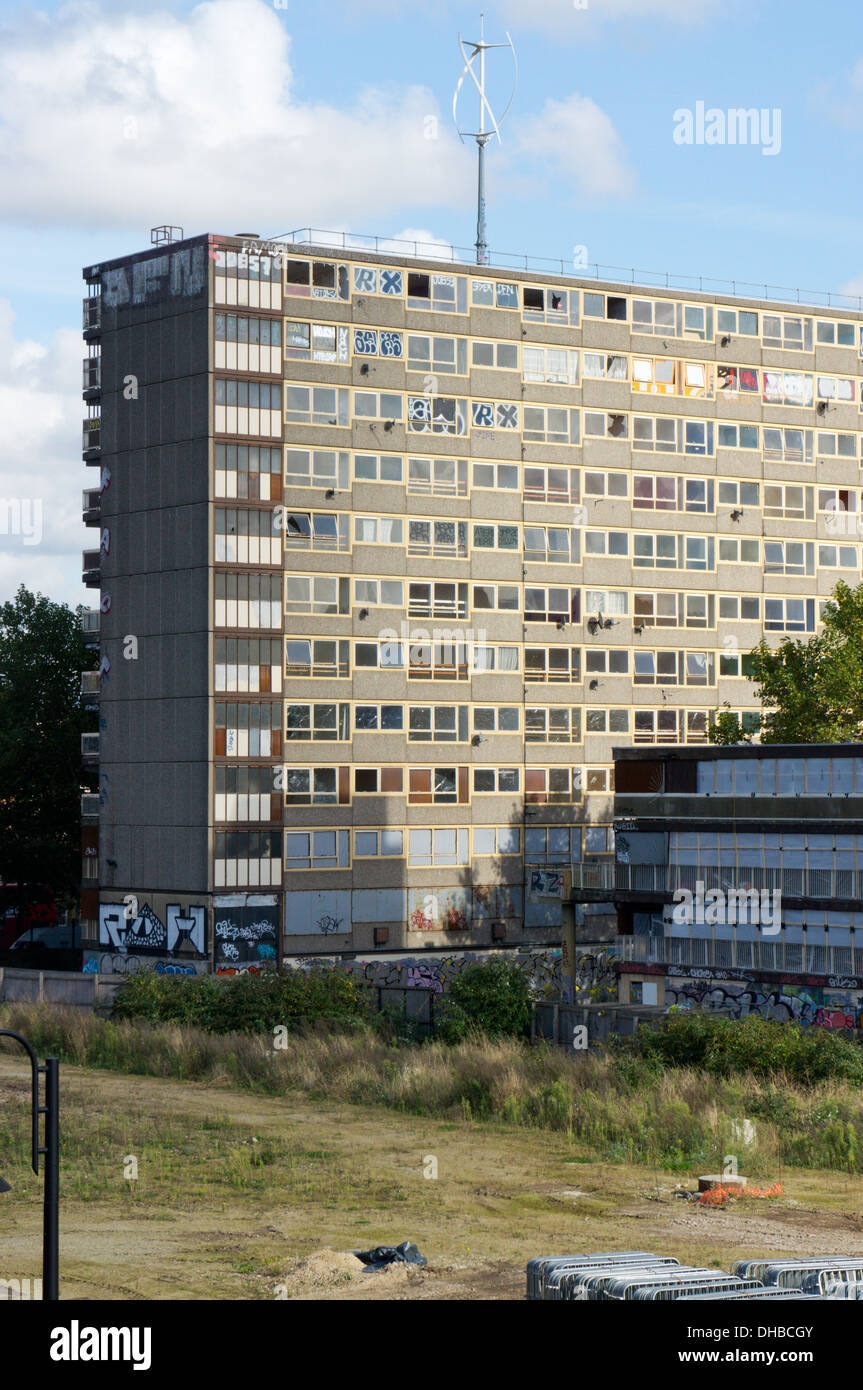 The Ashenden Block of the Heygate Estate, Elephant and Castle, Walworth, South London - Stock Image