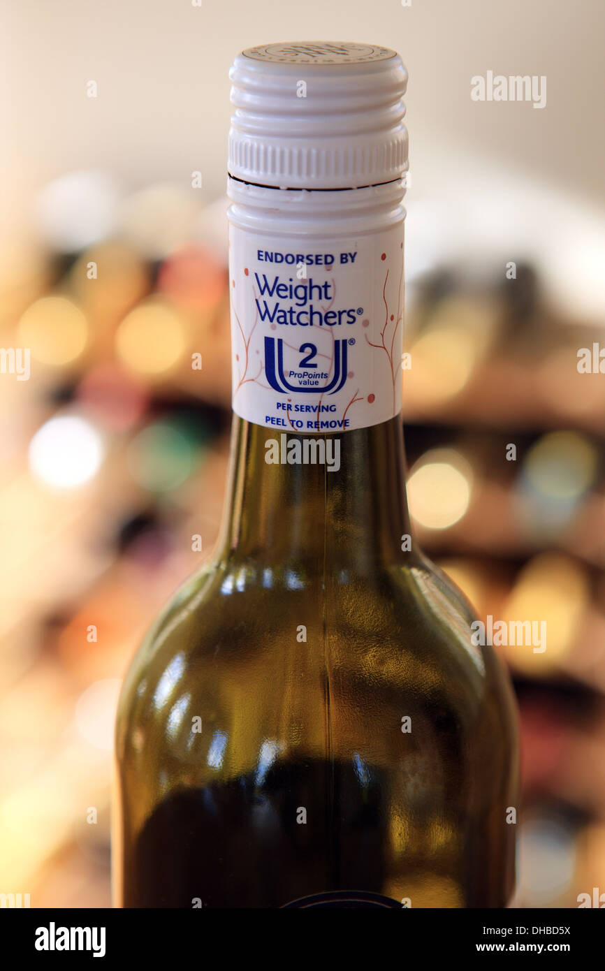 Lower calorie wine bottle - lid endorsed by weight watchers showing 2 ProPoints per serving - Stock Image