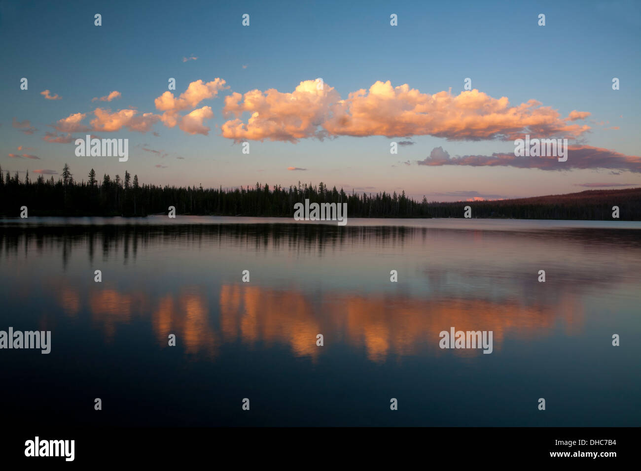 OREGON - Sunset at Big Lake in the Deschutes National Forest. - Stock Image