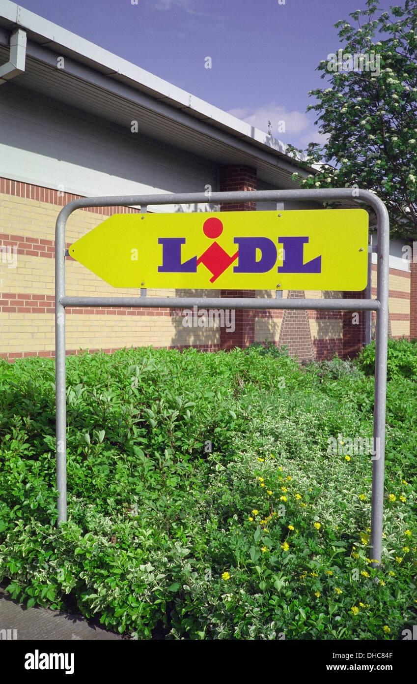 Sign for Lidl Supermarket, UK - Stock Image