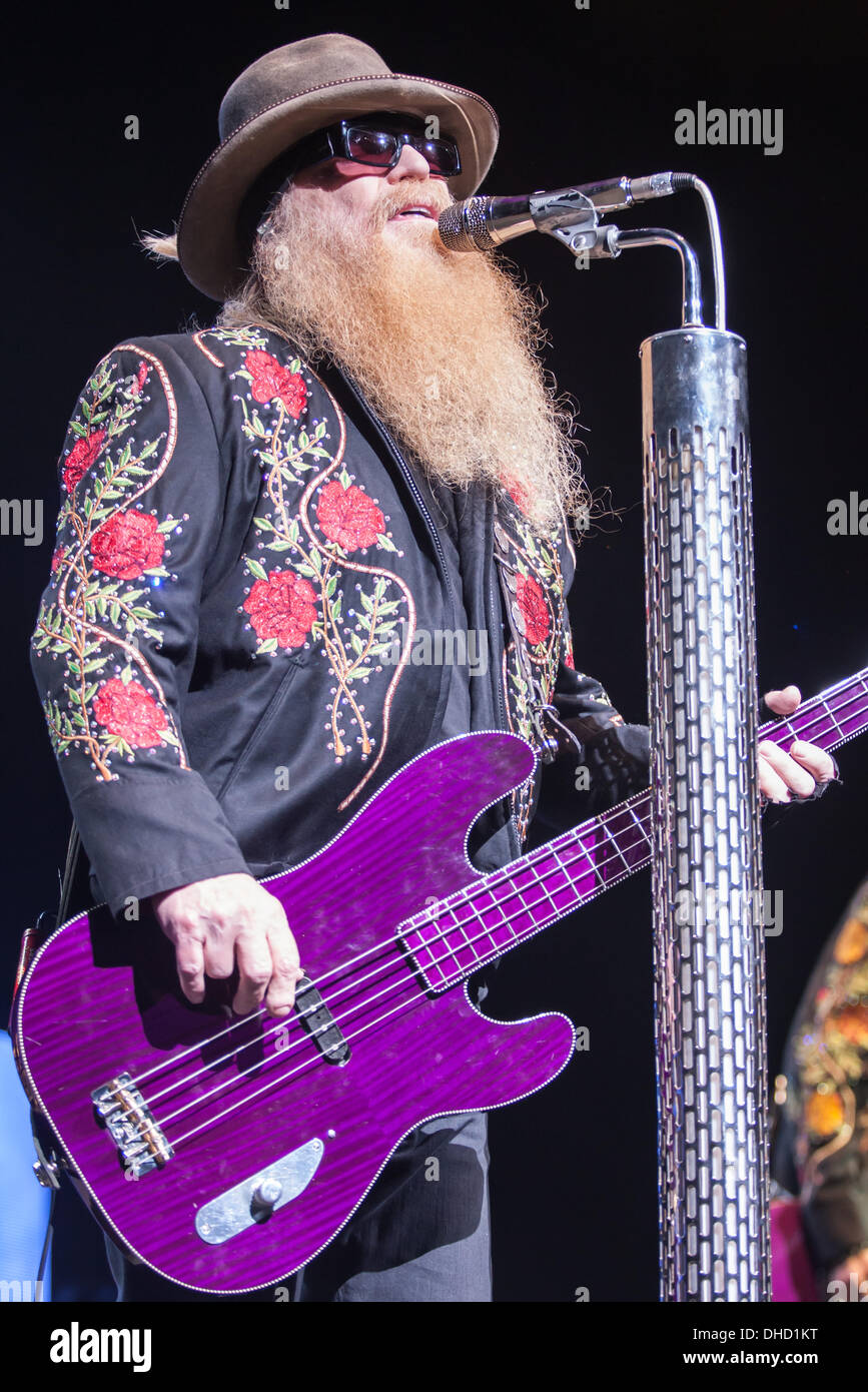 London, Ontario, Canada. 6th November 2013. Dusty Hill of the Houston Texas rock/blues band ZZ Top performs . The band known for their legendary beards has been making music and performing since 1969. The band was inducted into the Rock and Roll Hall of Fame in 2004. © Mark Spowart/Alamy Live News - Stock Image
