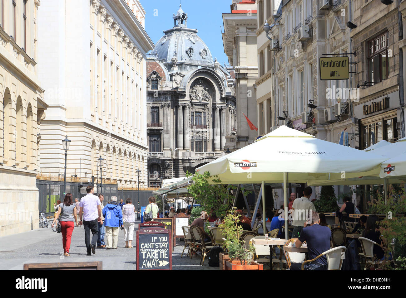 Busy cafes in the summer in Lipscani, the historical old town of Bucharest, Romania - Stock Image
