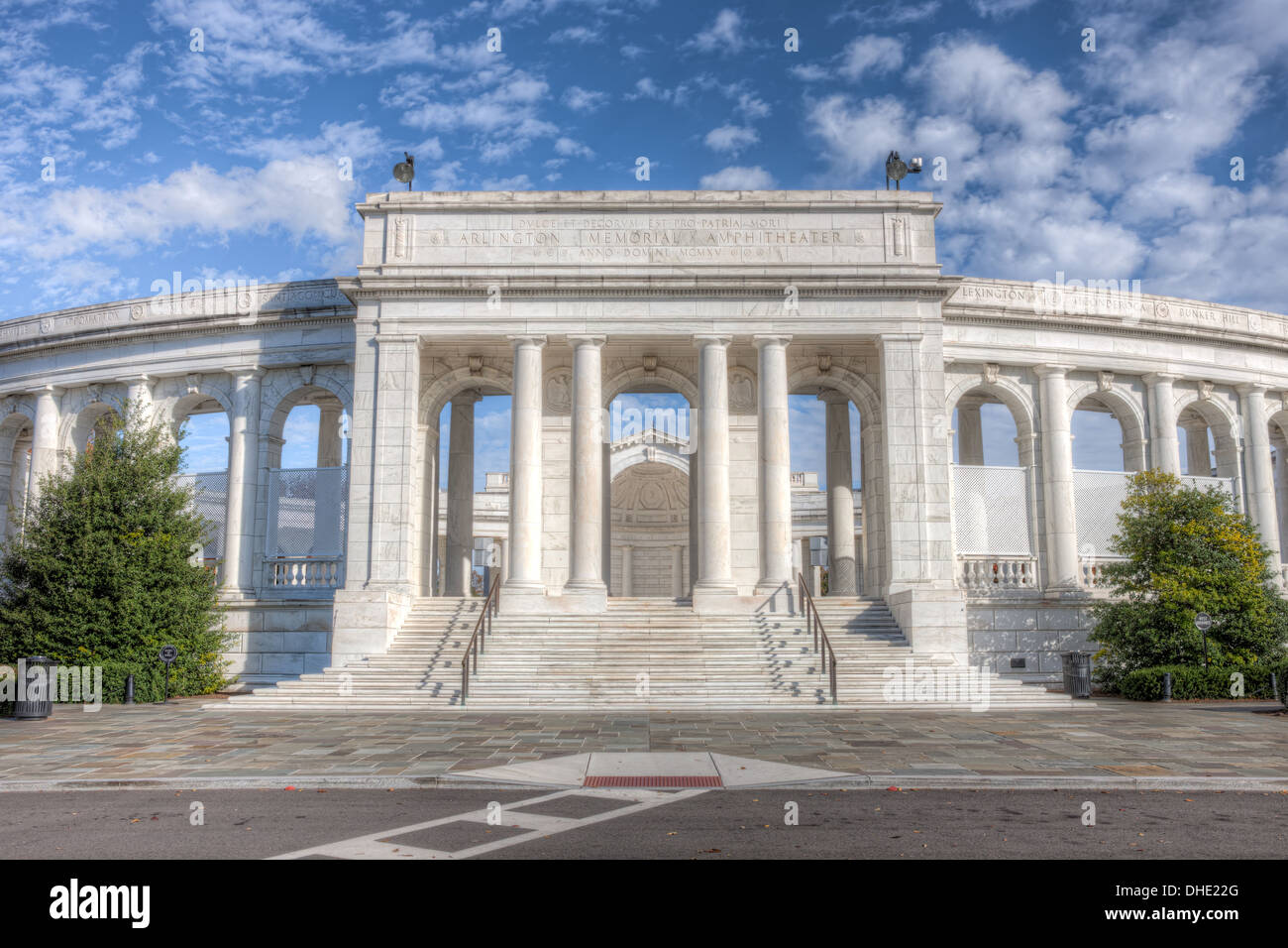 Arlington Memorial Amphitheater sits empty under partly cloudy skies on a warm autumn afternoon. - Stock Image