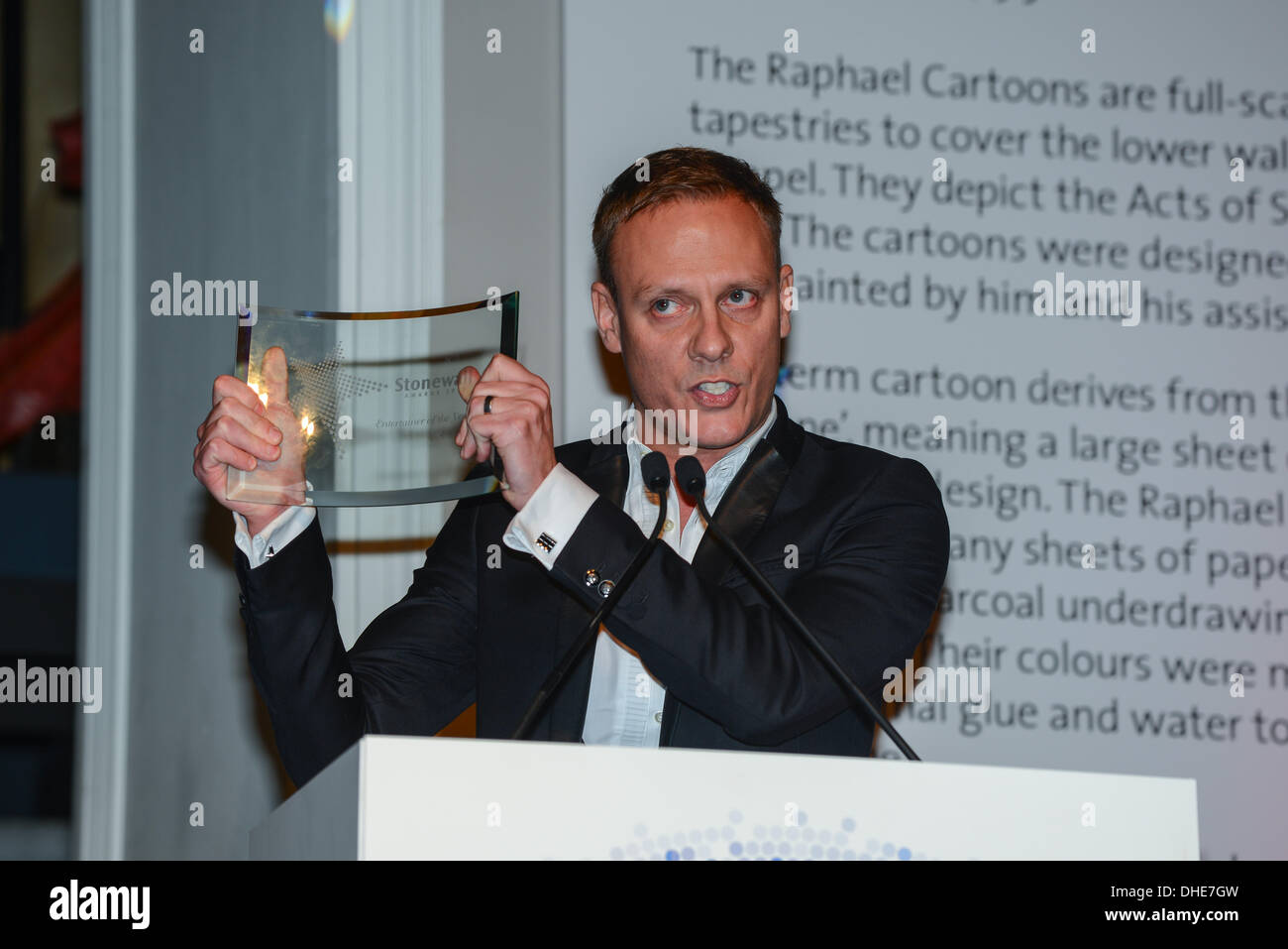 London, UK. 7th Nov 2013.  Antony Cotton, Entertainer Award of the year Stonewall Awards 2013 taking place at the Victoria and Albert Museum. Credit:  See Li/Alamy Live News - Stock Image
