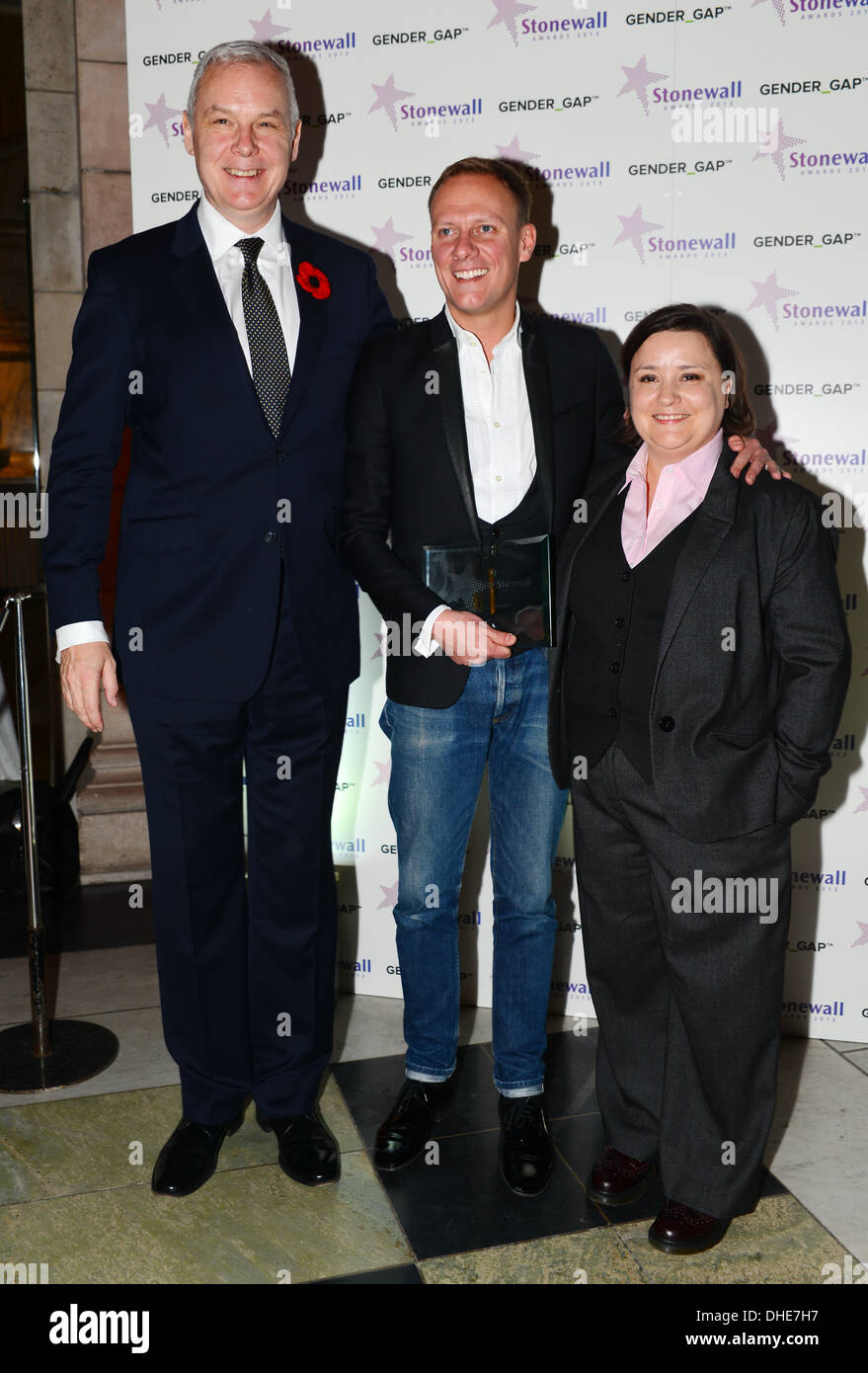 London, UK. 7th Nov 2013.  CEO Ben Summerskill,Antony Cotton and Host Susan Calman at the Stonewall Awards 2013 taking place at the Victoria and Albert Museum. Credit:  See Li/Alamy Live News - Stock Image