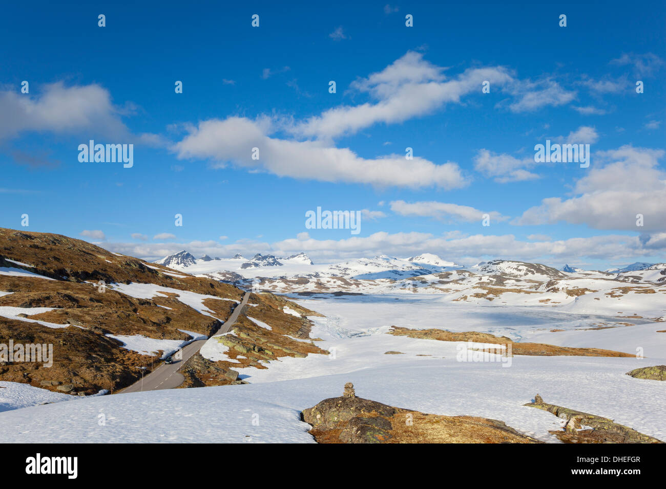 Snow covered plateau in the Jotunheimen National Park, Sogn og Fjordane, Norway, Scandinavia, Europe - Stock Image