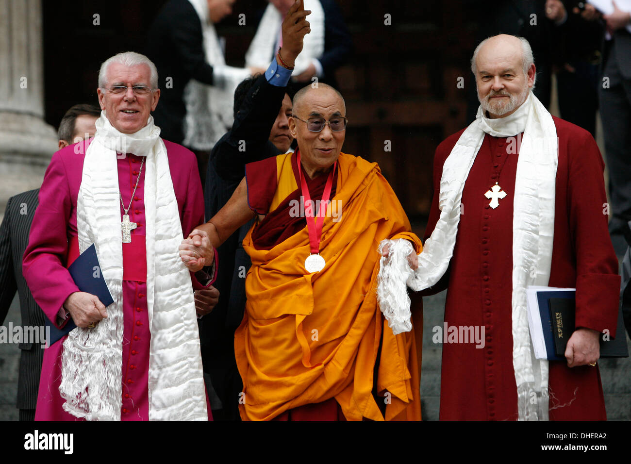 The 14th Dalai Lama (L) leaves with Richard Chartre the Bishop of London (R)  St. Paul s Cathedral, London 14 May 2012 - Stock Image