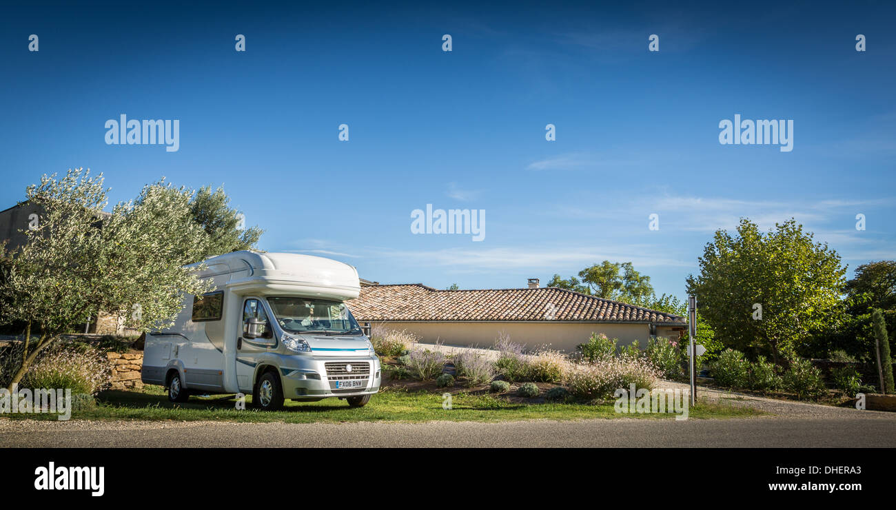 Motorhome in the winery grounds of Domaine de Mondine, France - Stock Image