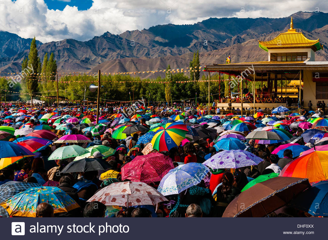 His Holiness the 14th Dalai Lama gives a teaching to a crowd of 175,000 people at Choglamsar, Ladakh, Jammu and Stock Photo