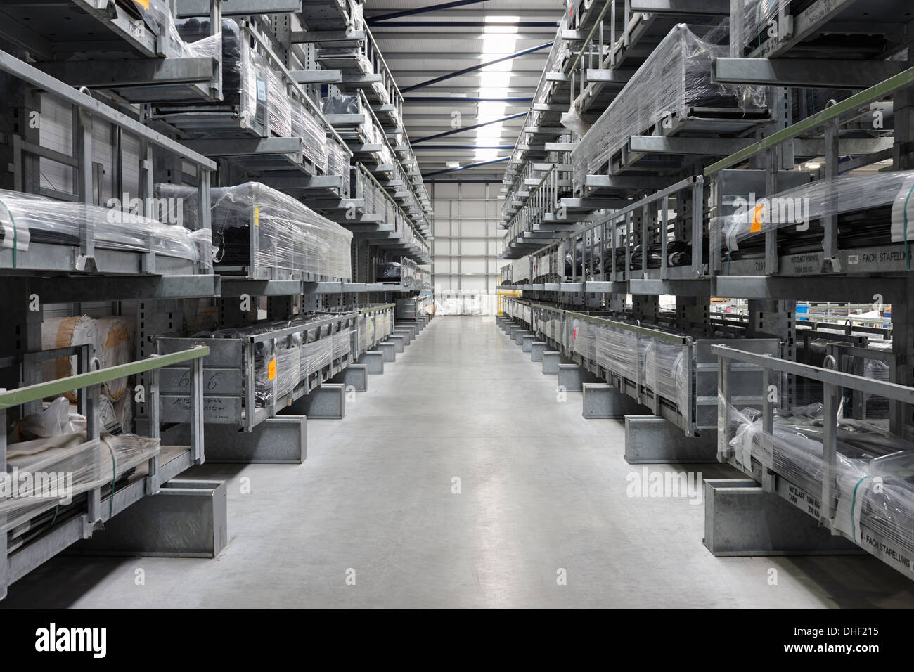 Products aisle in engineering warehouse - Stock Image