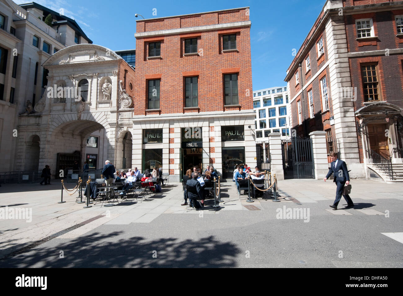 England, London, Paul French Family Bakery and Patisserie next to St Paul's Cathedral - Stock Image
