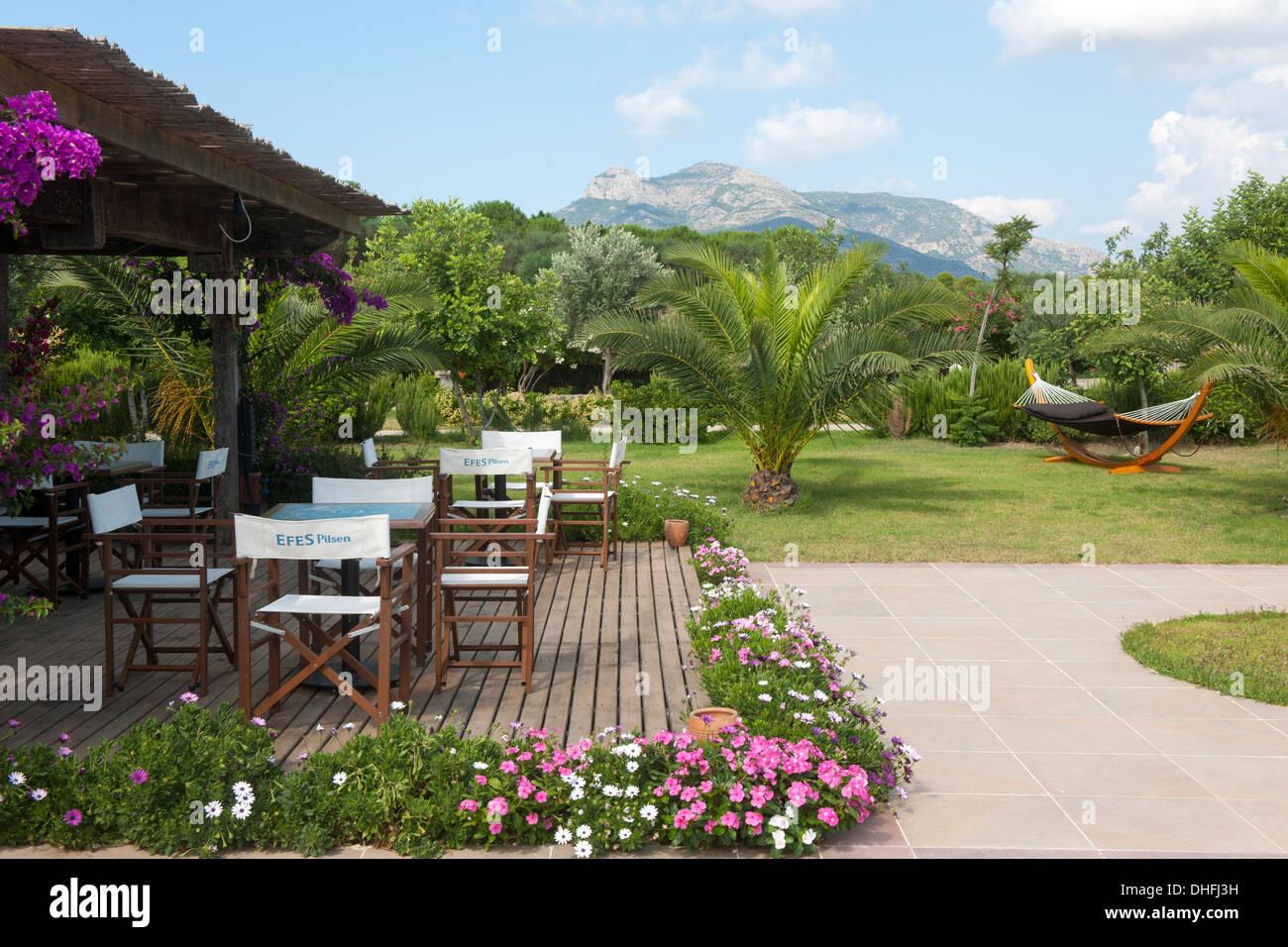 Asien, Türkei, Provinz Mugla, Datca-Halbinsel, Flow Datca Surf & Beach Club Hotel bei Datca - Stock Image
