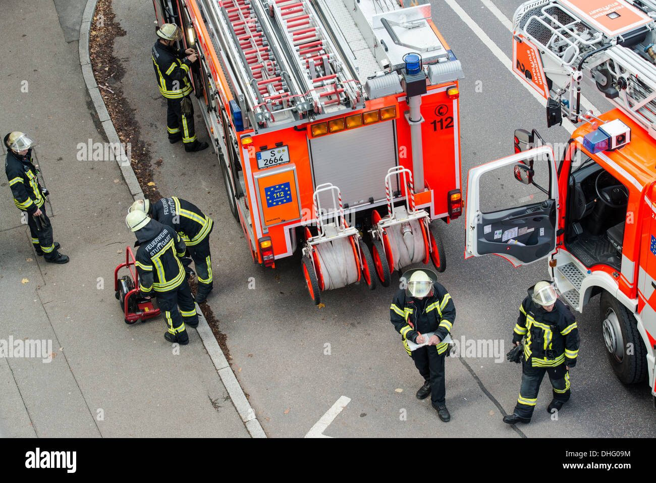 STUTTGART, GERMANY – NOVEMBER 9, 2013: The Stuttgart fire brigade is fighting a smaller fire that started after lunch time. - Stock Image