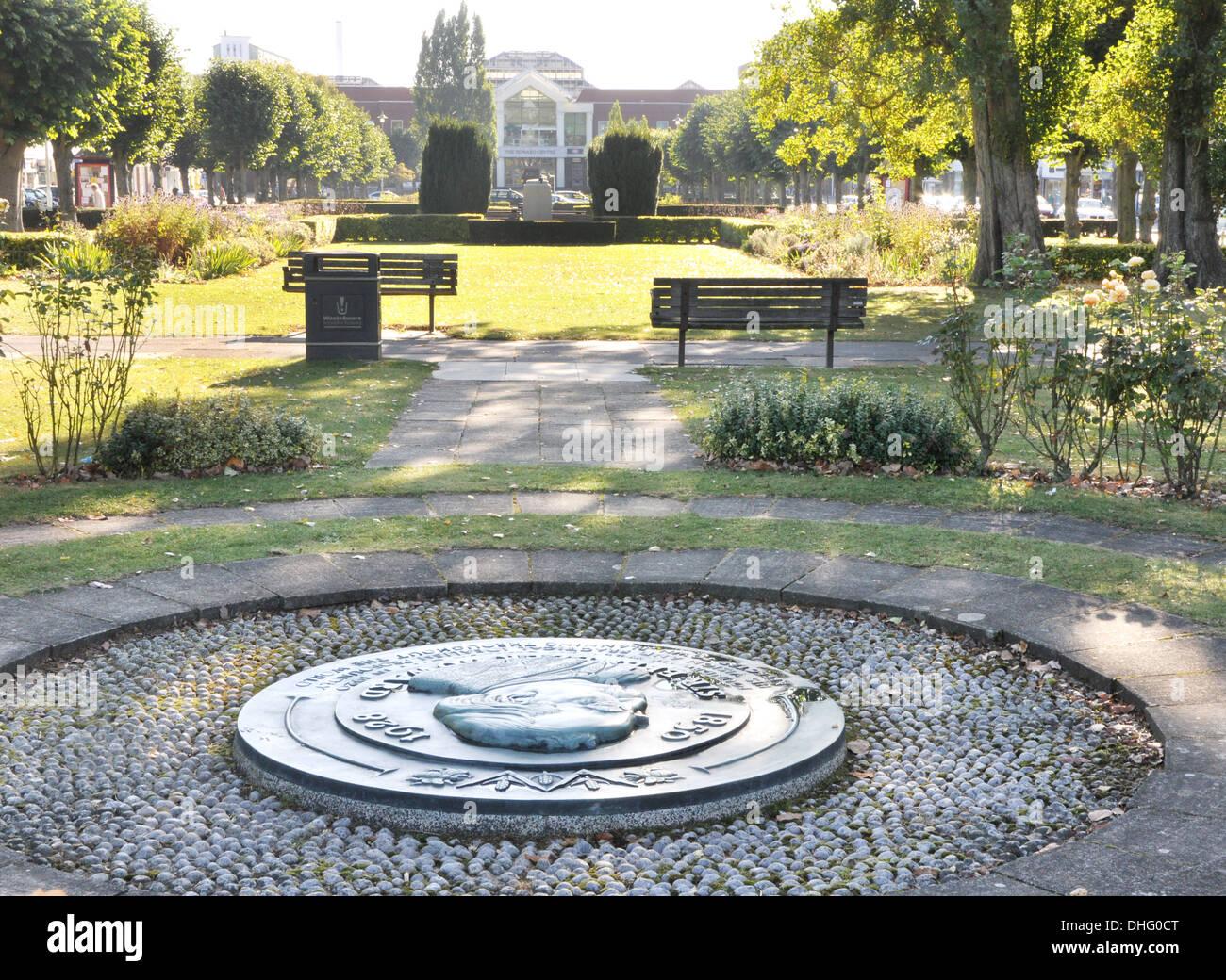 View Of Welwyn Garden City Fountain From The Ebenezer Howard Memorial Stock Photo Alamy