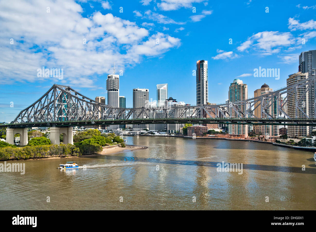 Australia, Queensland, Brisbane, view of Story Bridge and the city skyline with Brisbane River - Stock Image