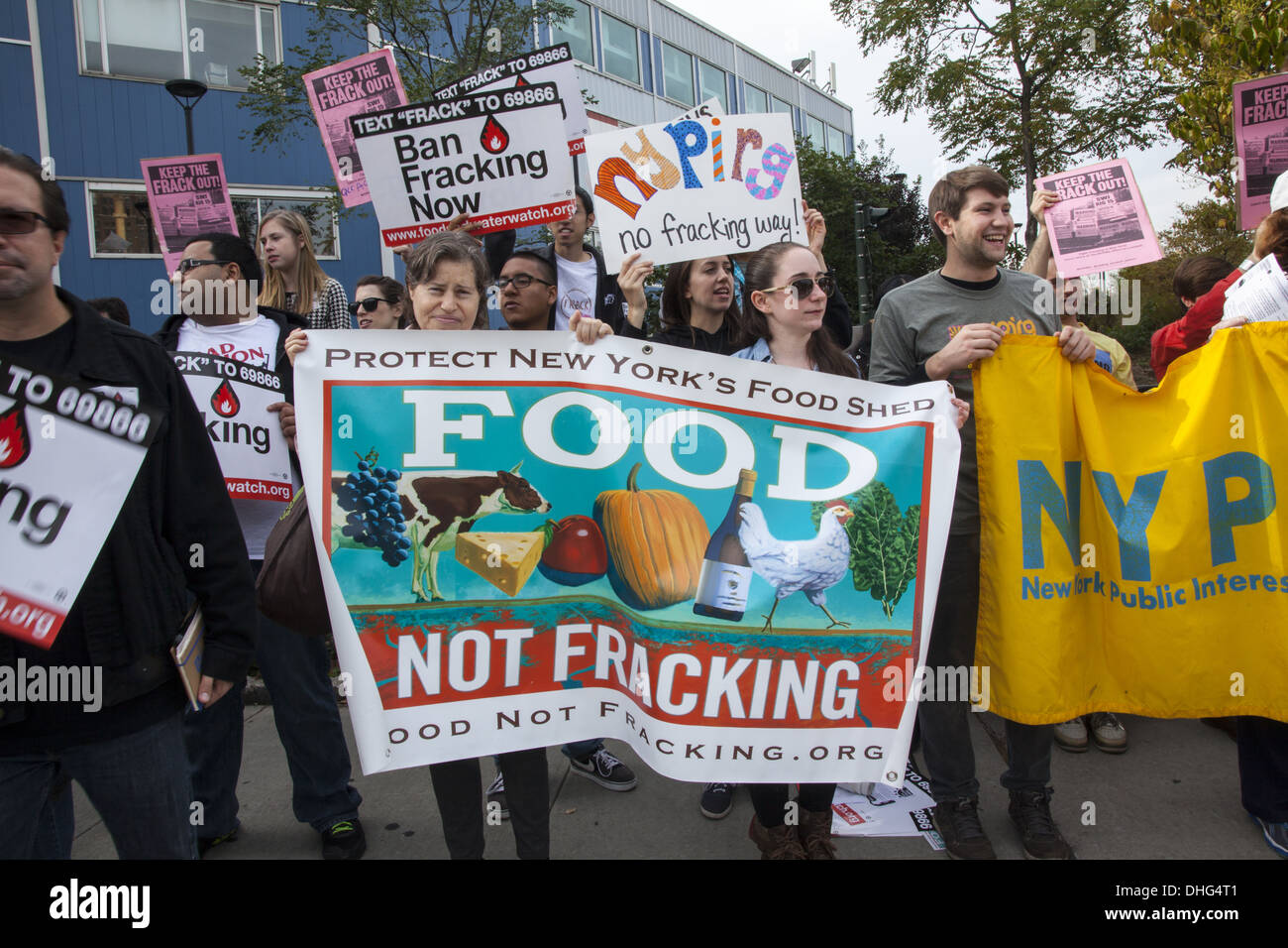 No Hydraulic Fracturing (FRACKING) rally and march in Manhattan to a restaurant where Gov. Cuomo was in attendance. - Stock Image