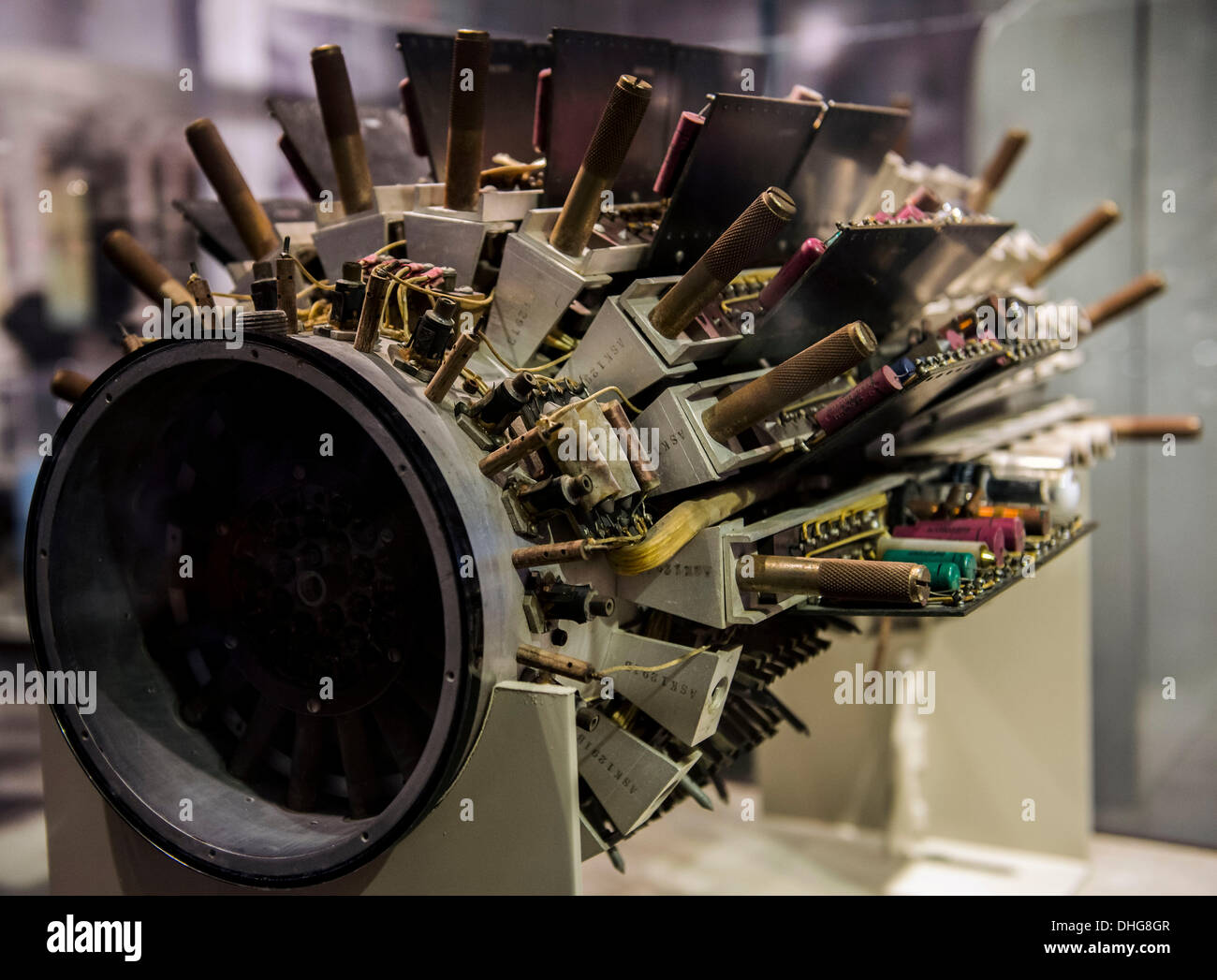 Mountain View, California, USA. 09th Nov, 2013. The circa 1951 UNIVAC I mercury memory tank by Remington Rand on display at the Computer History Museum in Silicon Valley. © Brian Cahn/ZUMAPRESS.com/Alamy Live News - Stock Image