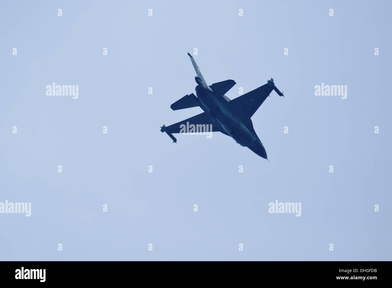 The F-16C of the Zeus team flies over Thessaloniki - Stock Image