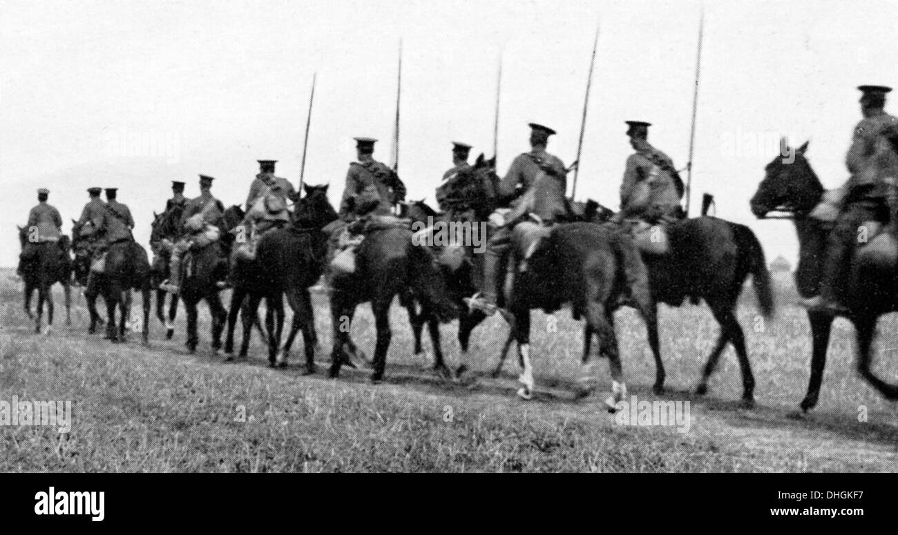 British Cavalry Retreat from Mons, 1914 photograph of the fallback before the German advance in August - Stock Image