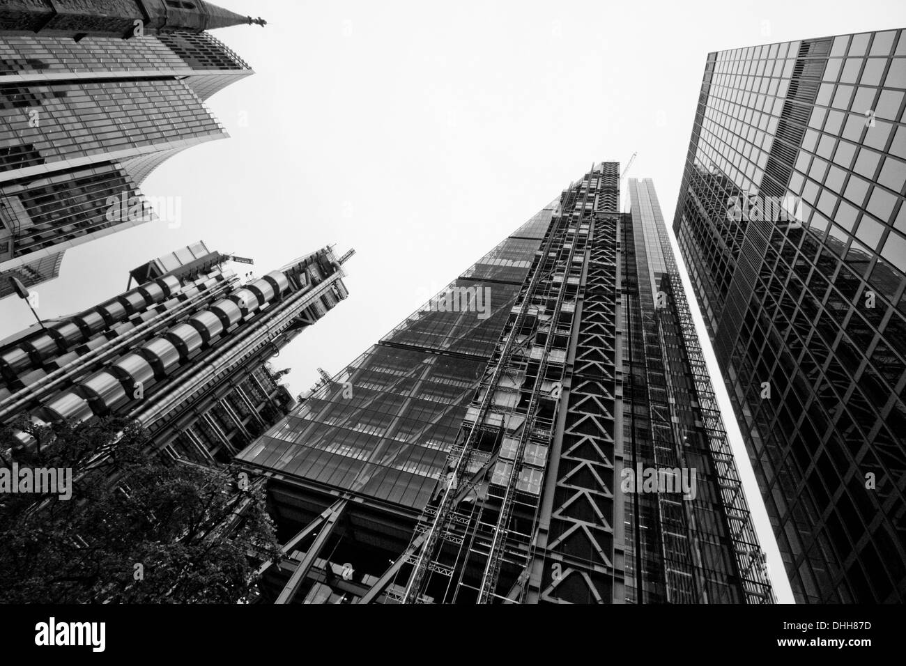LONDON - SEPTEMBER 21: Leadenhall Building in construction center with Lloyds Building, Willis Building and St Helens - Stock Image