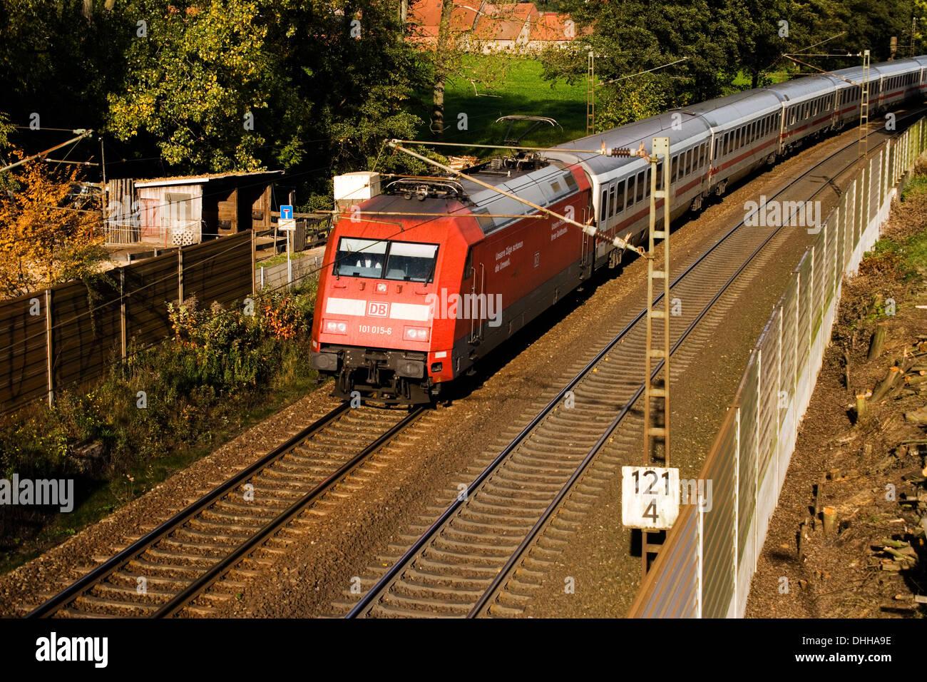 BR101 101 015-6 der DB mit IC1129 (Kiel-Nürnberg) auf der Rollbahn (KBS385 Wanne Eikel-Hamburg KM124) bei Osnabrück Okt 2013) - Stock Image
