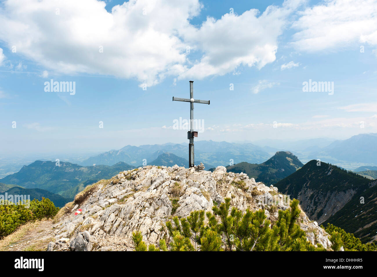 Summit cross on the limestone peak of Grosser Traithen Mountain, 1852 m, Mangfall Mountains, Upper Bavaria, Bavaria, Germany - Stock Image