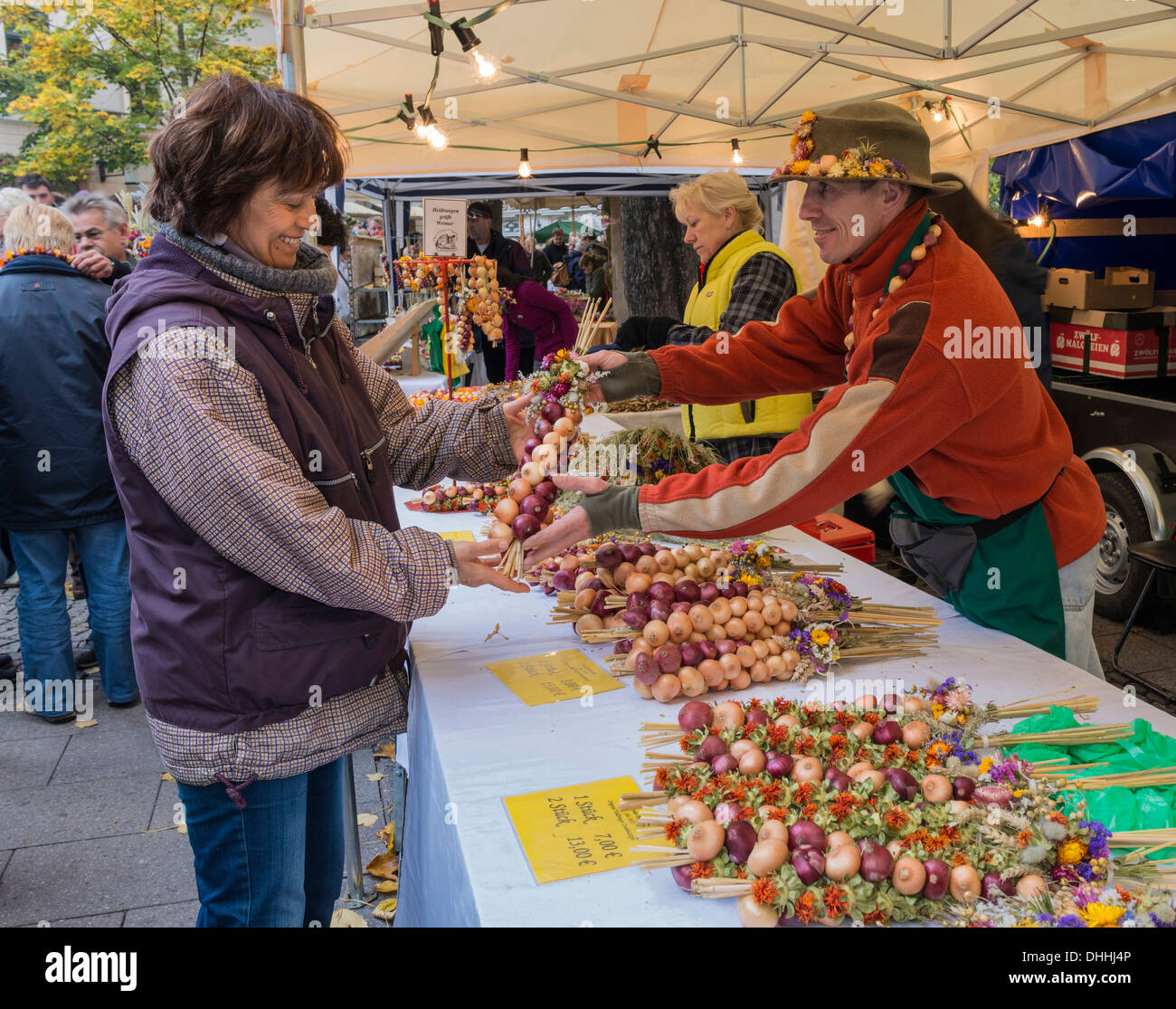 Onion market, sales situation, Weimar, Thuringia, Germany - Stock Image