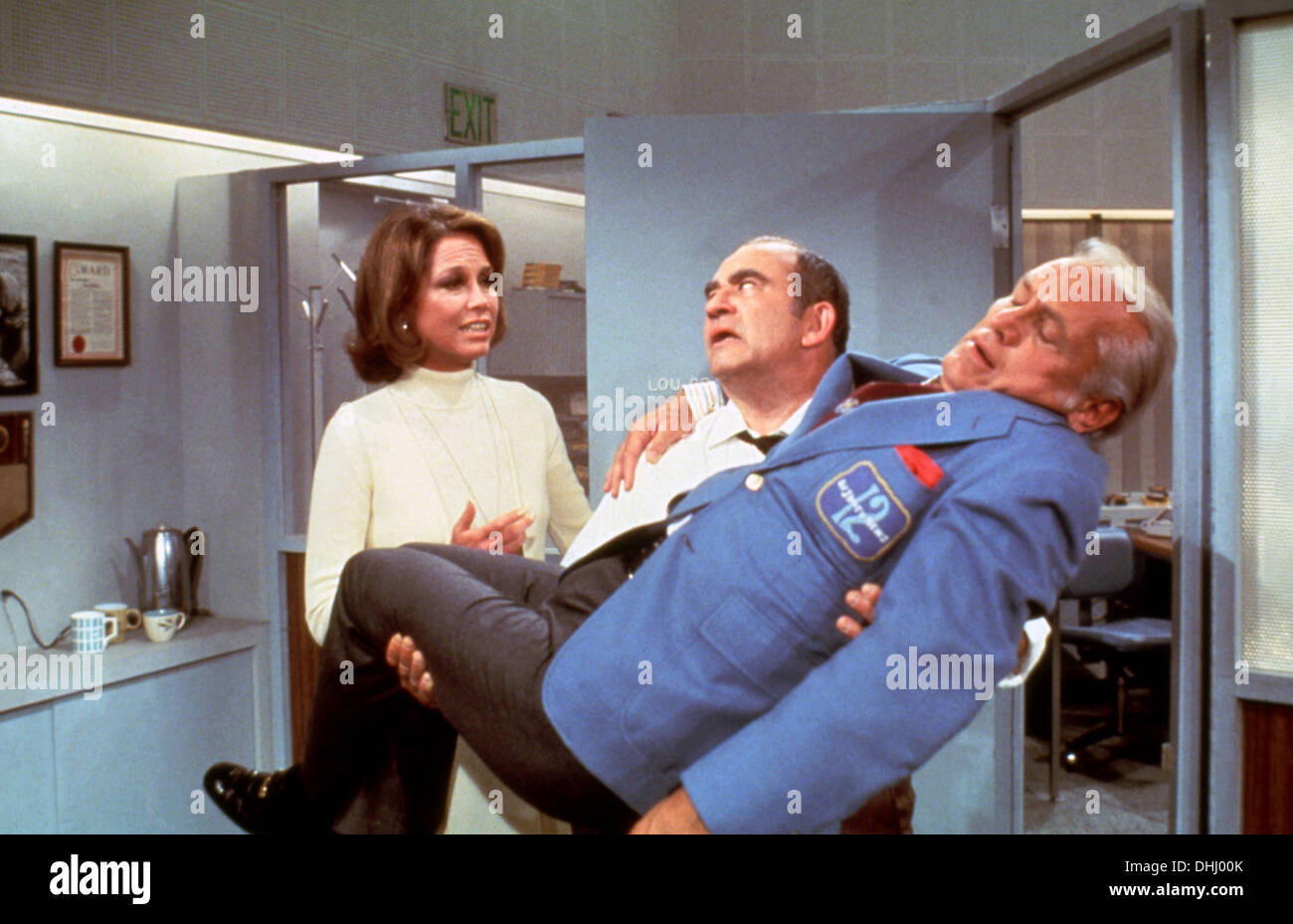 MARY TYLER MOORE SHOW (TV) (1970-1977) MARY TYLER MOORE, EDWARD ASNER, TED KNIGHT, MTMS 003 MOVIESTORE COLLECTION LTD - Stock Image