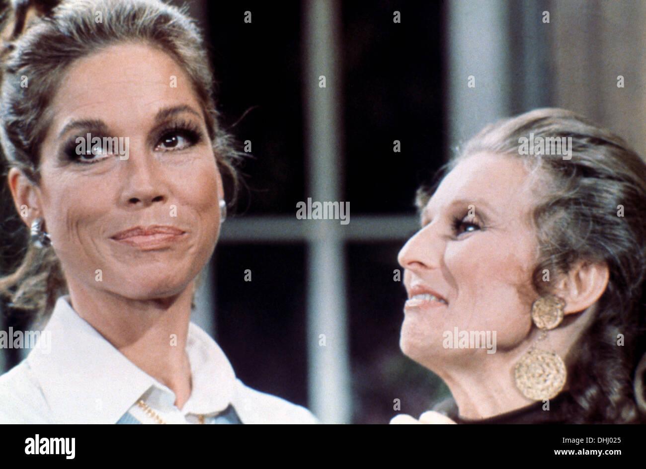 MARY TYLER MOORE SHOW (TV) (1970-1977) MARY TYLER MOORE, CLORIS