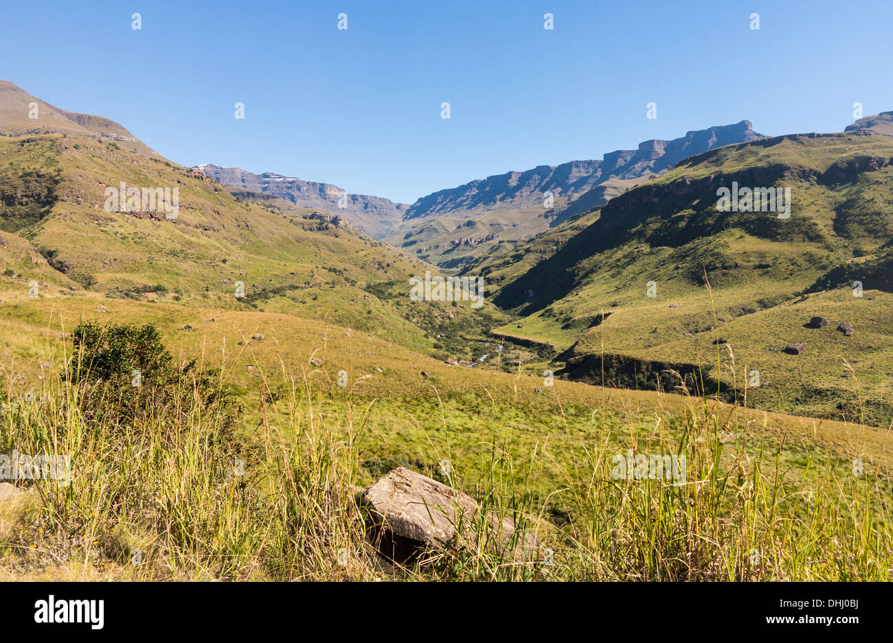 Valley and mountains on the Sani Pass from South Africa to Lesotho in KwaZulu-Natal - Stock Image
