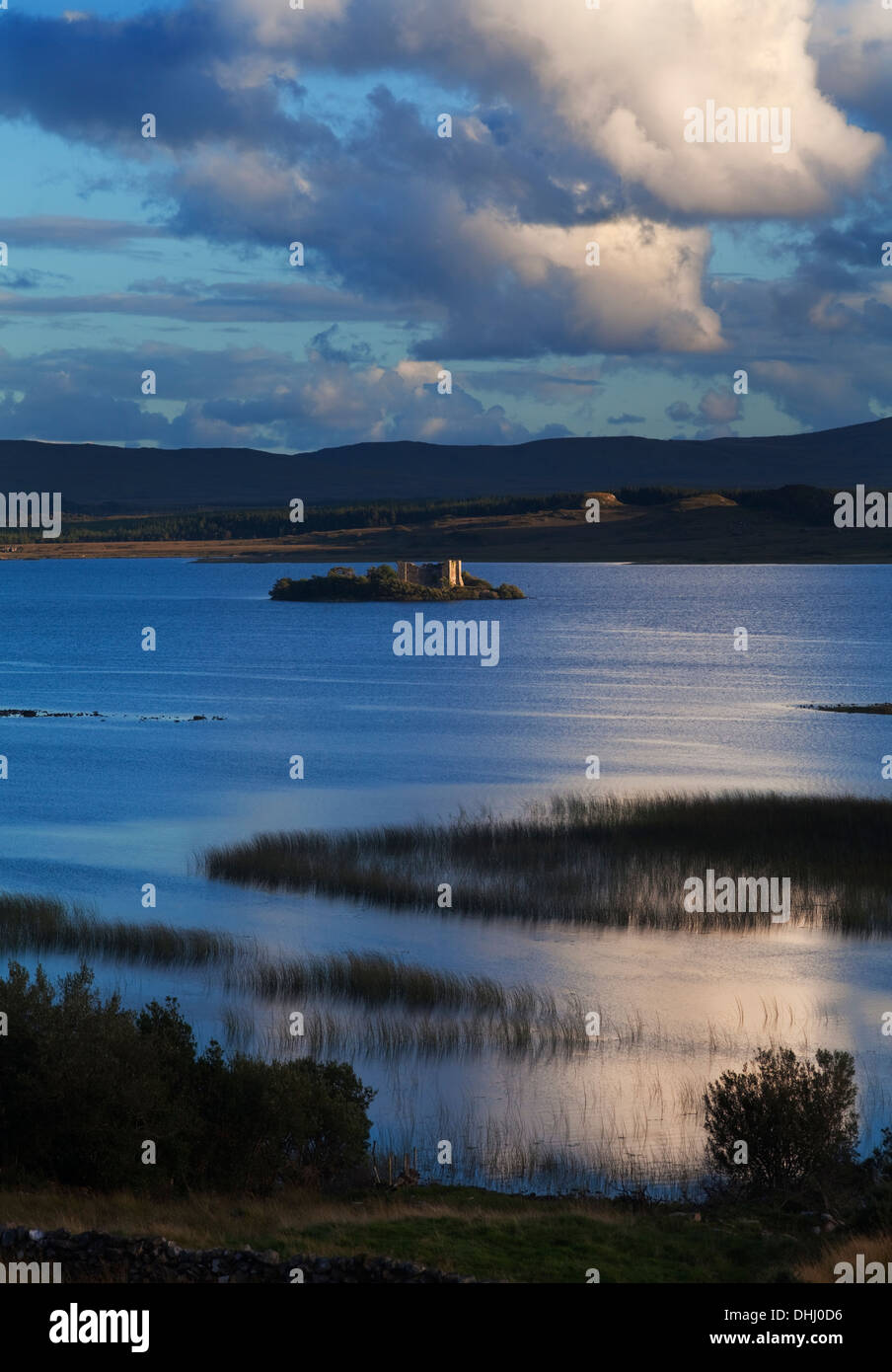 12th C. Hen's Castle (Caislean-na-Circe), home of pirate Queen Grace O`Malley, Lough Corrib,  Connemara, County Galway, Ireland - Stock Image