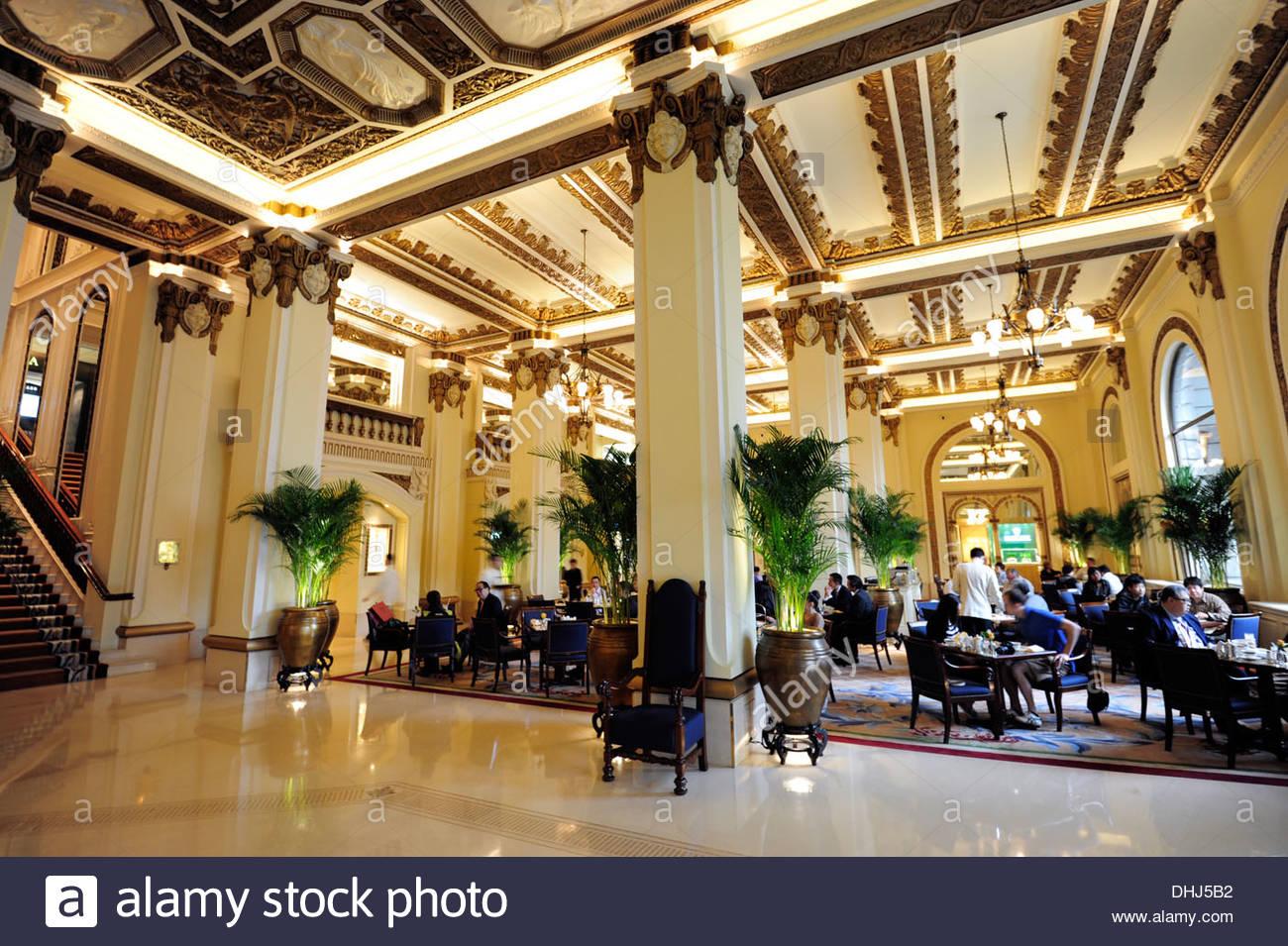 Foyer of The Peninsula Hotel, Tsim Sha Tsui, Kowloon, Hongkong, Hong Kong, China, Asia - Stock Image