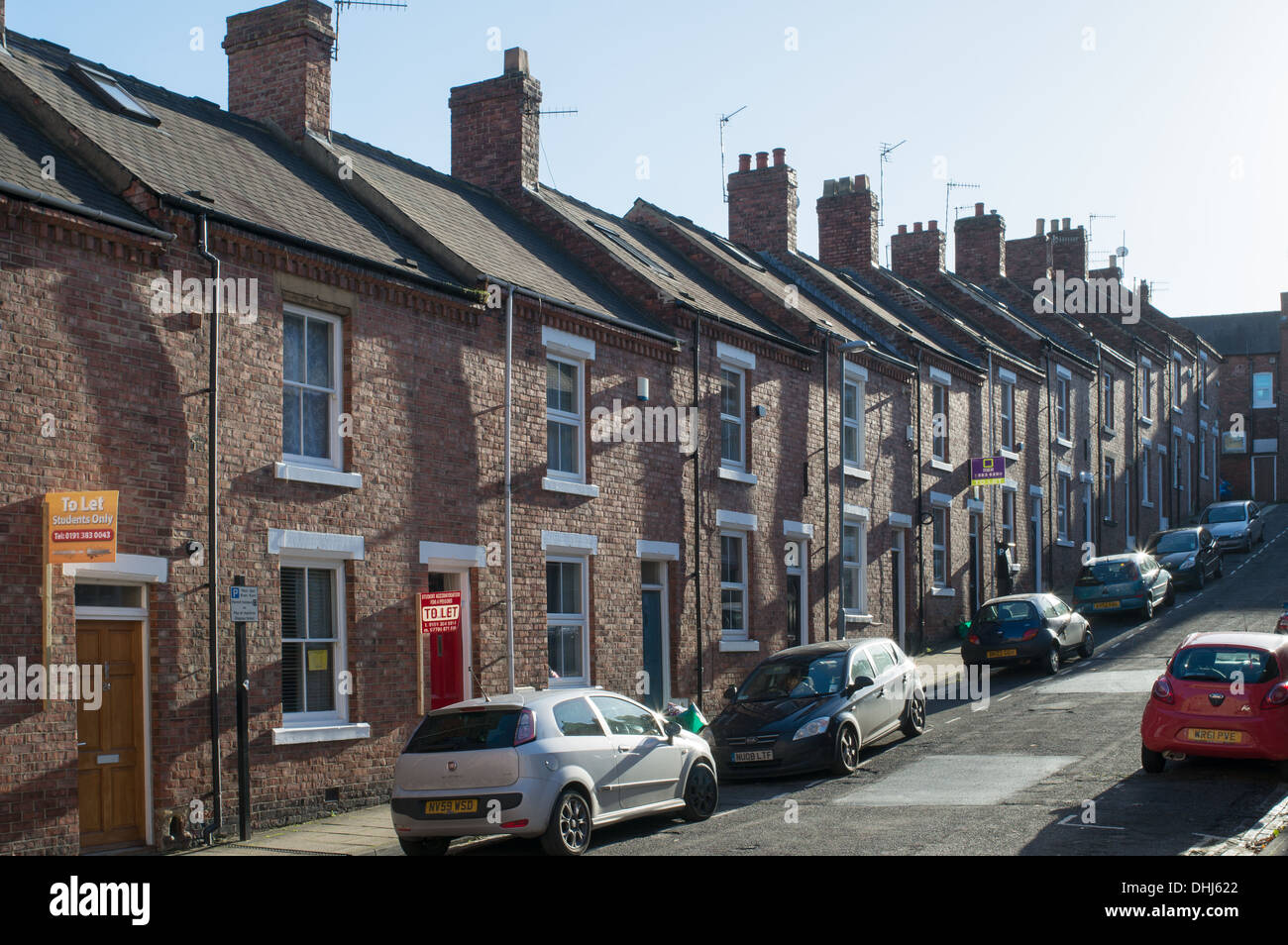 Steeply Sloping Row Of Terraced Houses Durham City Co Durham Stock