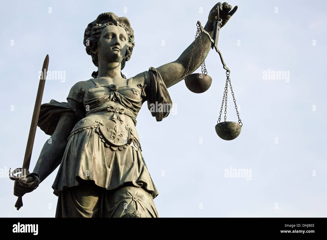 Sculpture of Lady Justice, Justitia on the Römerplatz in Frankrfurt am Main, Germany - Stock Image