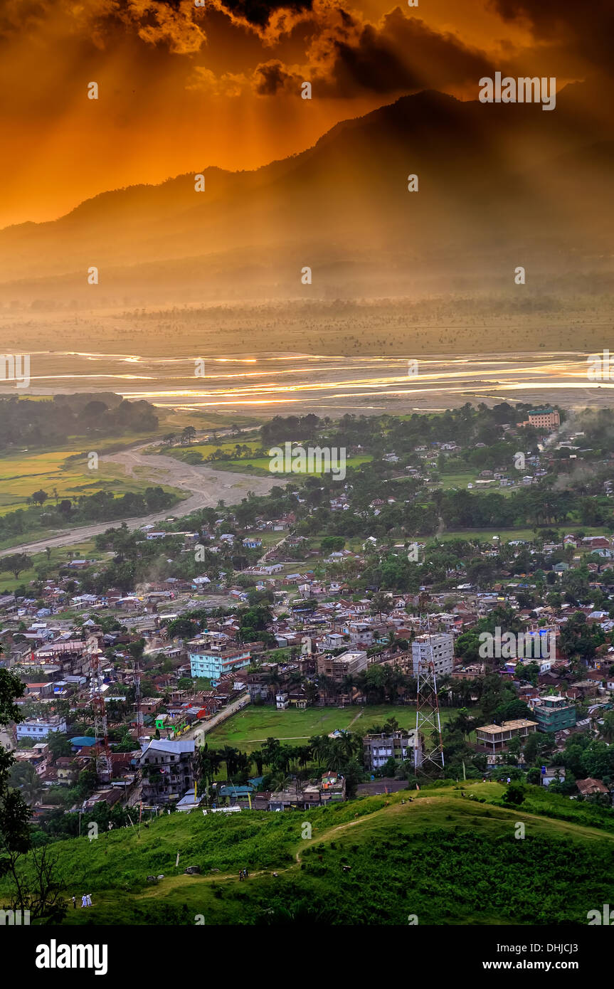Birds Eye View of Phuentsholing, the border town of Bhutan, during sunset - Stock Image