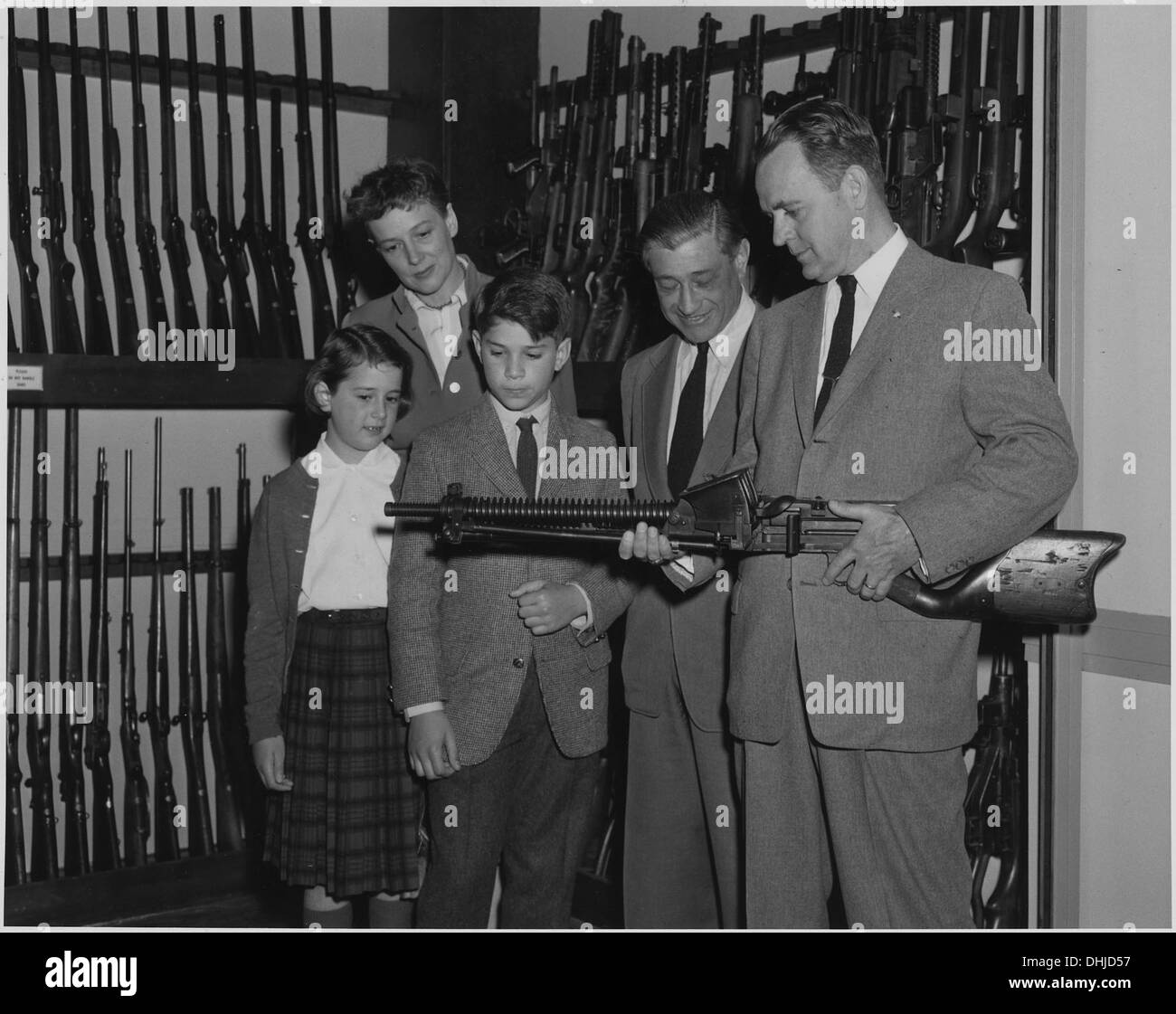 Carl Mydans, who is on the photographic staff of Life magazine, visited FBI Headquarters with his family and was. 518188 - Stock Image